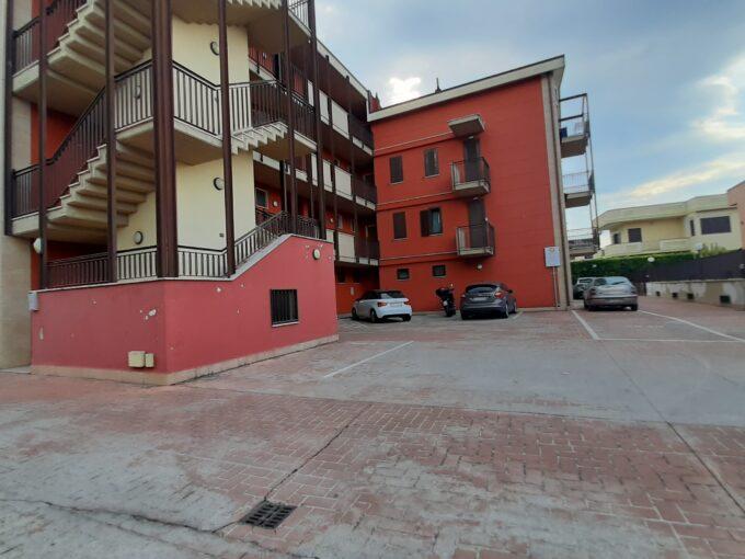 Appartamento con box auto in affitto ad Angri via Nazionale.