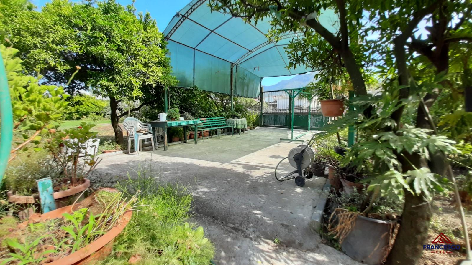 Appartamento con giardino in vendita ad Angri Via Pozzillo