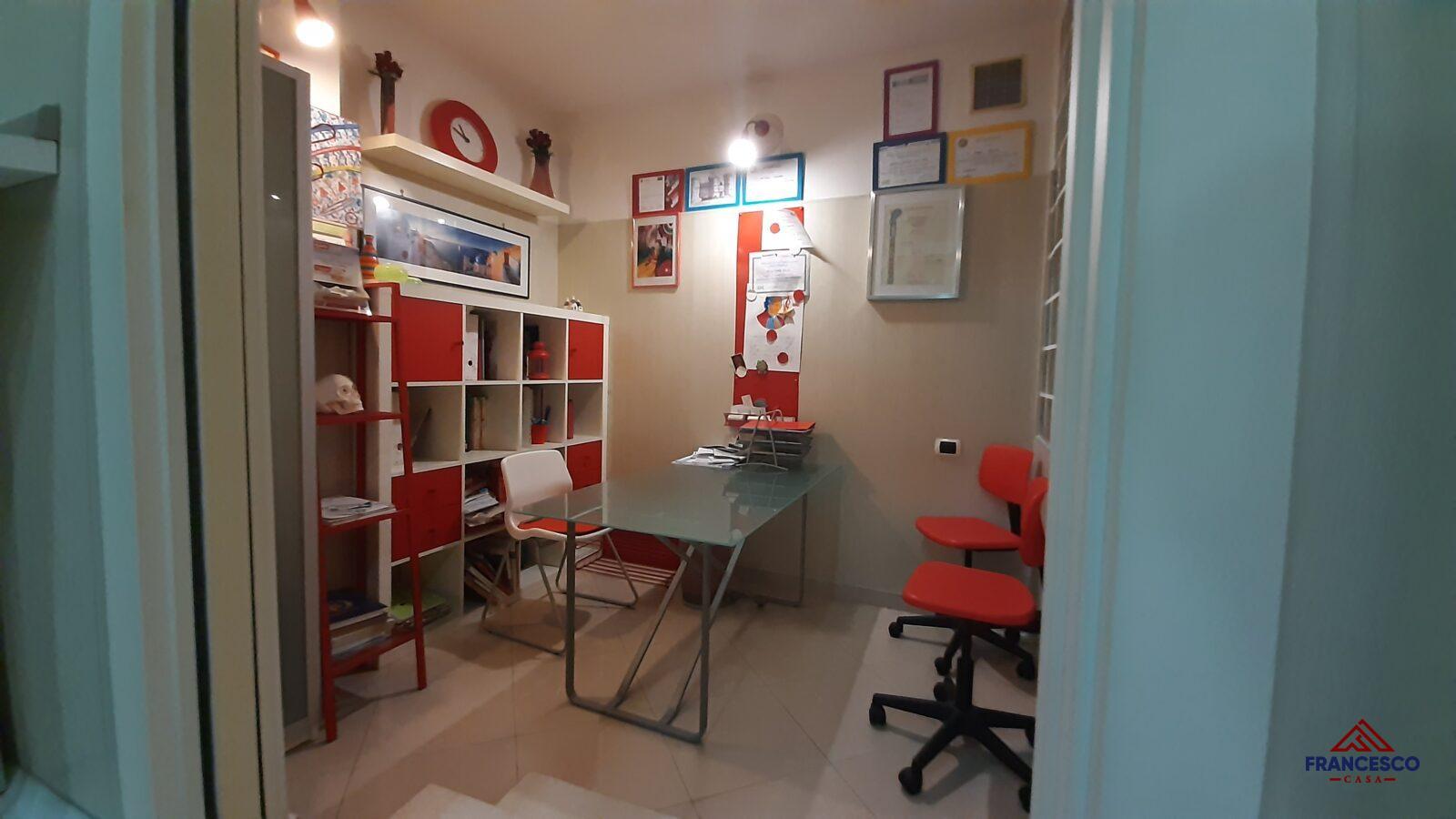 Studio dentistico in affitto ad Angri via Tenente Fontanella