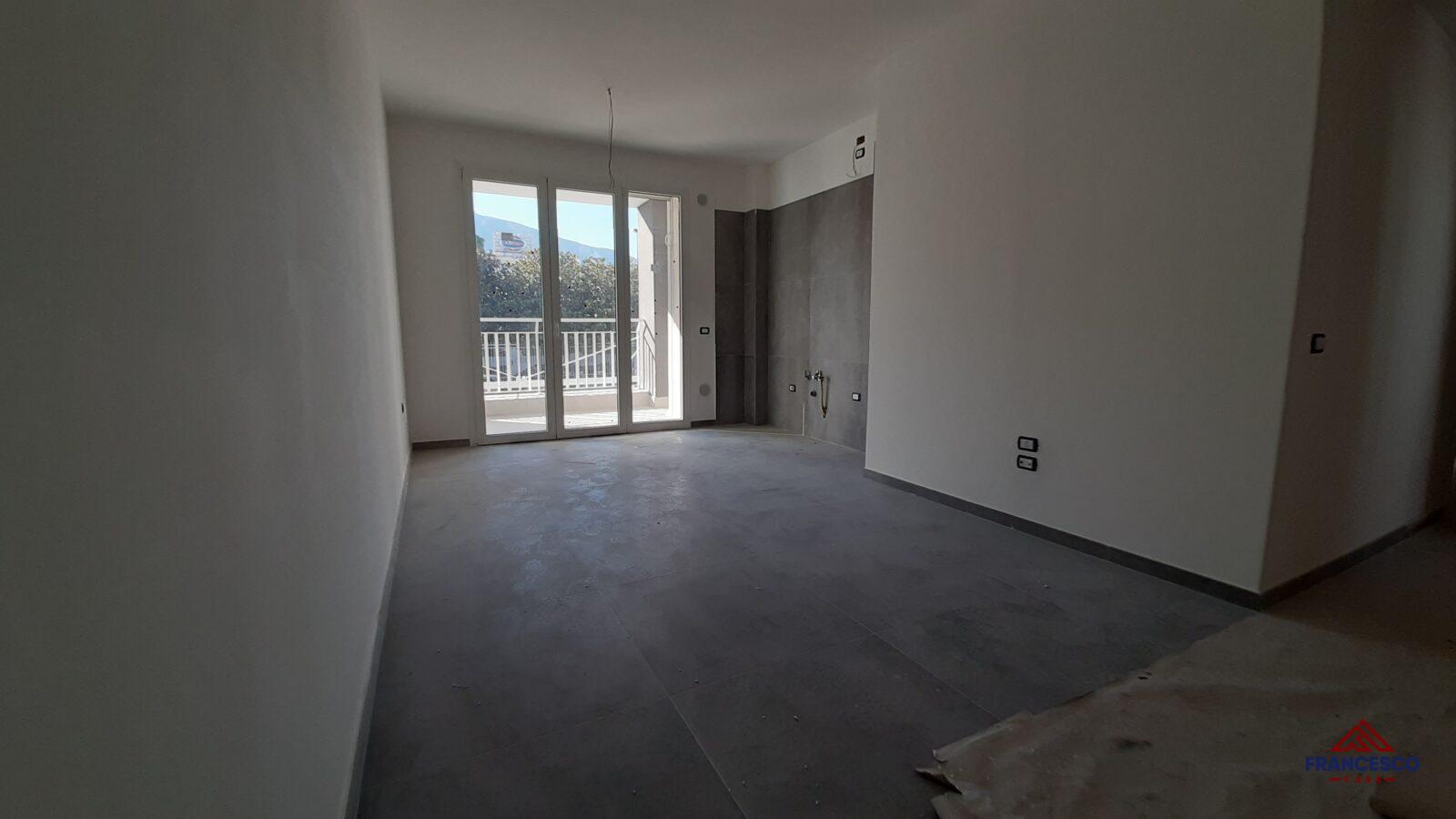 Appartamento con box in vendita ad Angri via Nazionale.