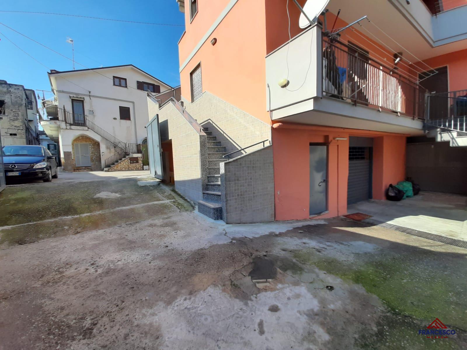 Soluzione semindipendente in vendita ad Angri Via Raiola