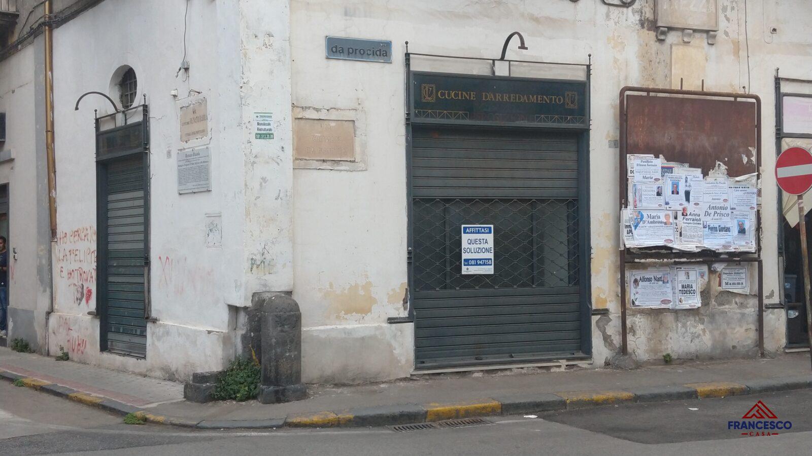 Locale commerciale in affitto ad Angri Via Da Procida